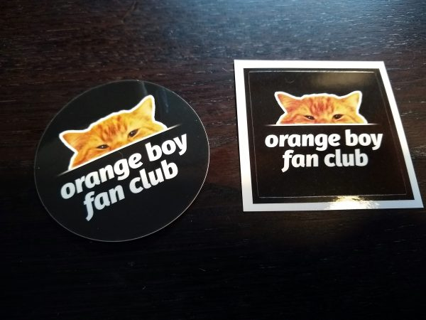 Comparison between round and square stickers